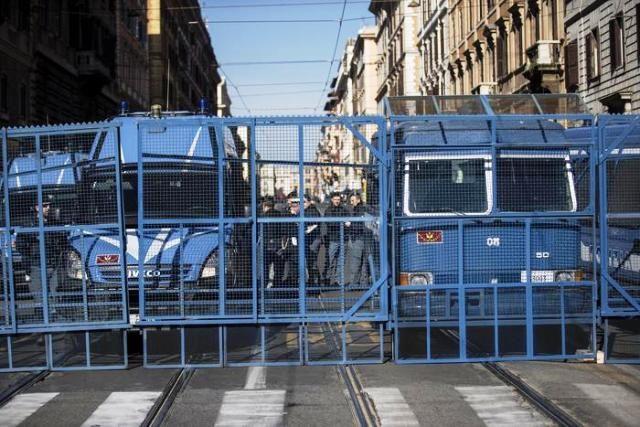 25 Marzo 2017 - Roma blindata per ricordare una ricorrenza. Varco-polizia-640x427