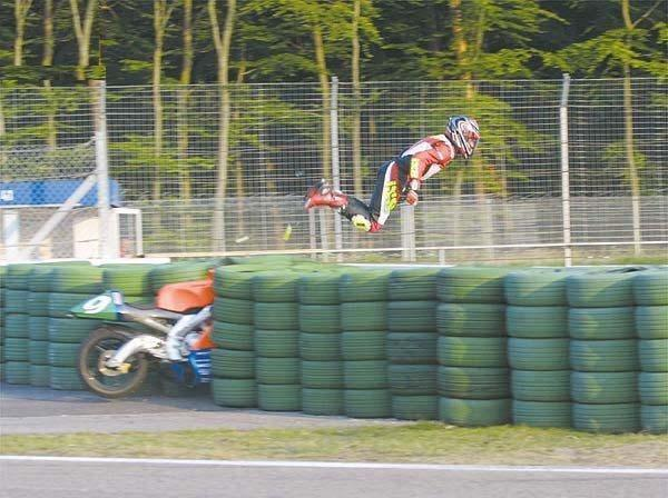 ON PARLE DE MOTO PAR ICI... - Page 3 Accident-moto