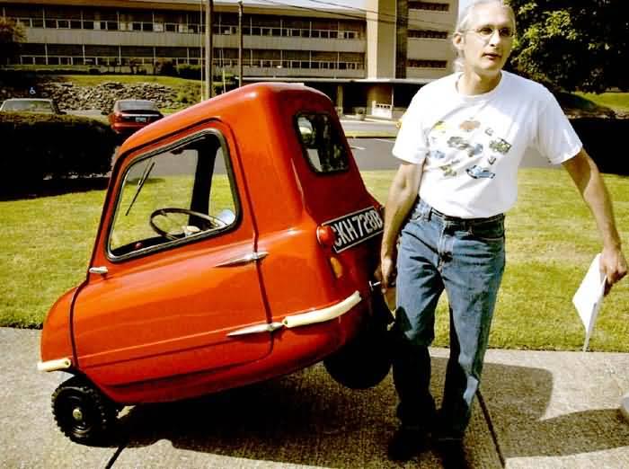 Basé sur l'ordre alphabétique, des noms de voitures, camions, dragsters, vélos, motos, tracteurs, bref tout ce qui roule !... - Page 3 Mini-auto