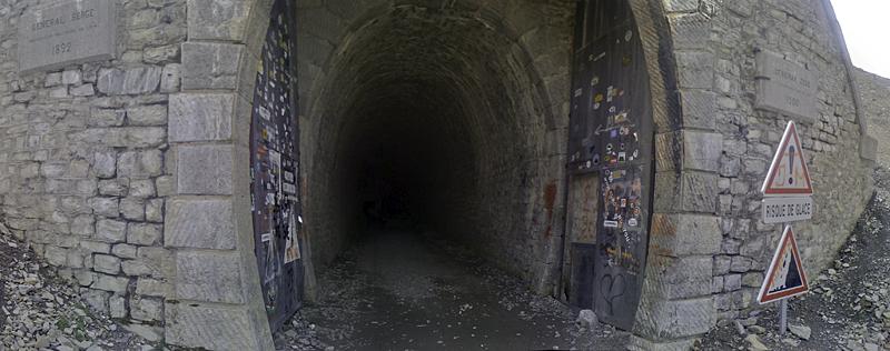 Ponts, viaducs et tunnels remarquables (ouvrages d'art) pour le vélo Parpaillon-tunnel-pano