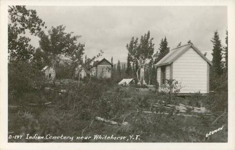 Villes et villages en cartes postales anciennes .. - Page 18 Native-american-indian-cemetery-whitehorse-yukon-territory-canada