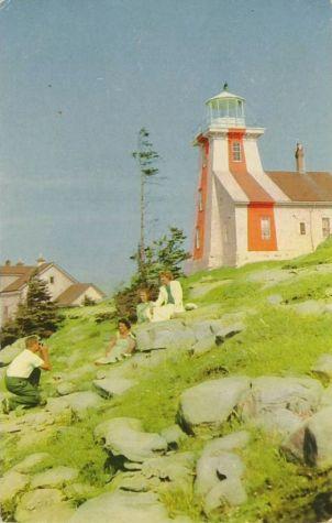 Villes et villages en cartes postales anciennes .. - Page 13 Digby-nova-scotia-point-prim-lighthouse-light-house-canada