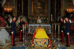 Funerales de la Realeza Condesa_4guardias