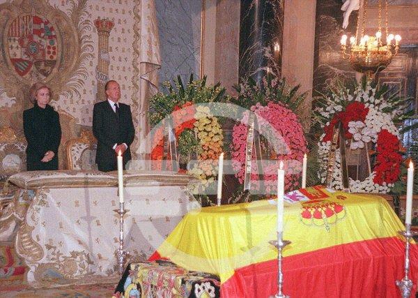 Funerales de la Realeza Velando