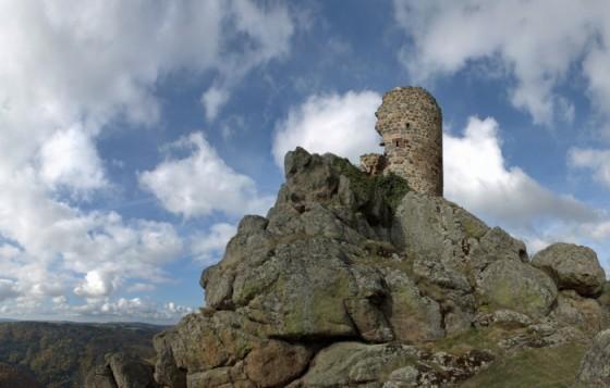 [Photos] (montages) fantastiques - Page 8 M-vestiges-de-la-tour-du-chateau-de-rochegude-visorando-986