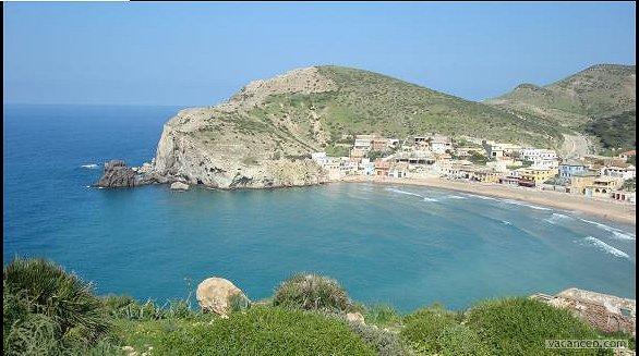 شواطئ و حمامات عين تموشنت  11588-la-plage-de-bouzedjar