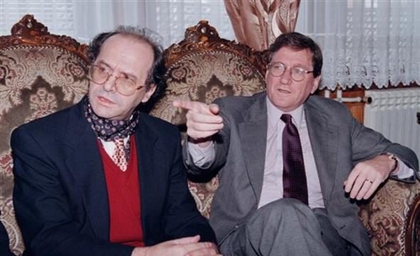 Foto nga jeta dhe vepra e Dr. Rugoves! - Faqe 7 U2_rugova%20hollbruk