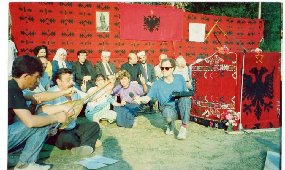 Pajtimet e gjaqeve 1990 U2_AGIM1