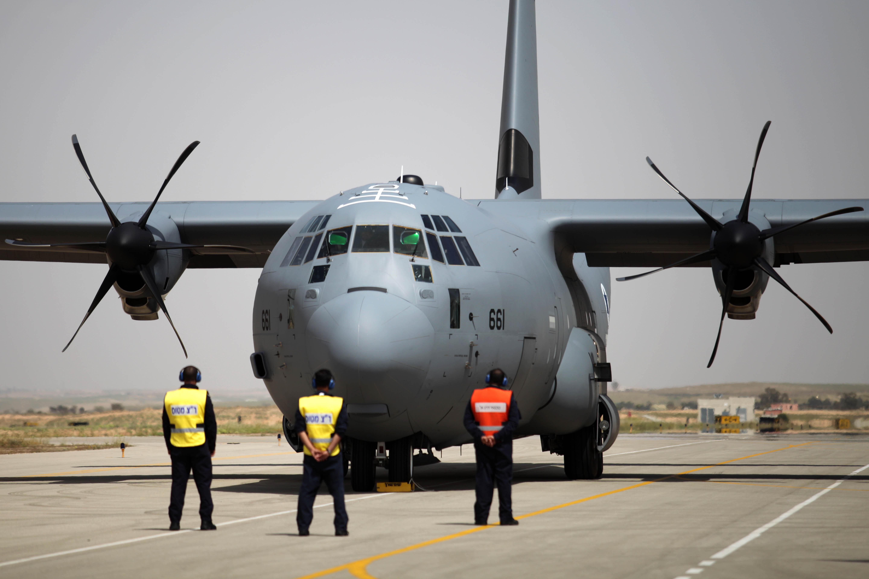 القوات الجويه الاسرائيليه تستلم اول طائرة نقل super Hercules C-130J H_51319348
