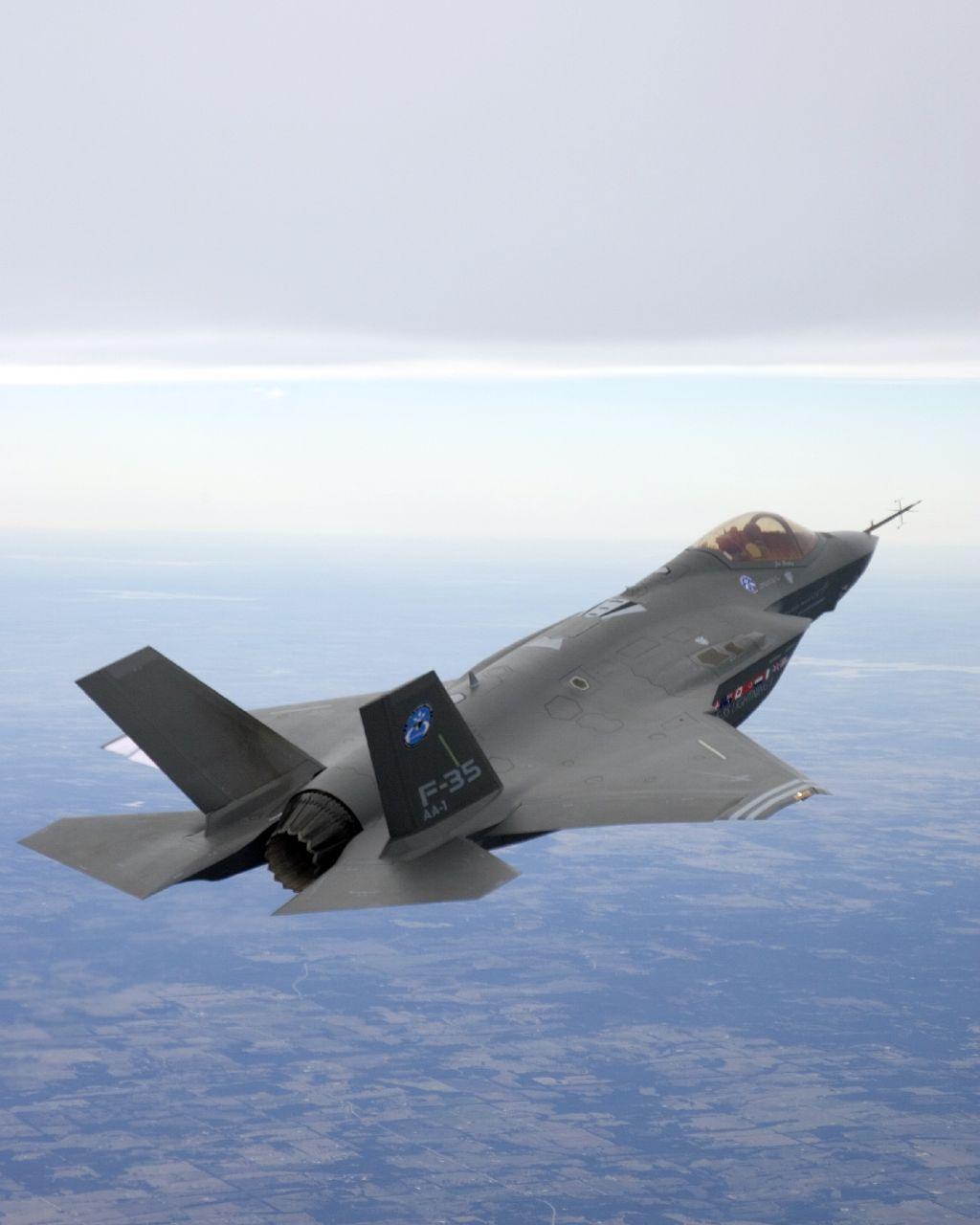 t50/pak fa  ليست شبحيه حتى الان بالتحليل والصور والمصادر  - صفحة 2 F-35_JSF_1