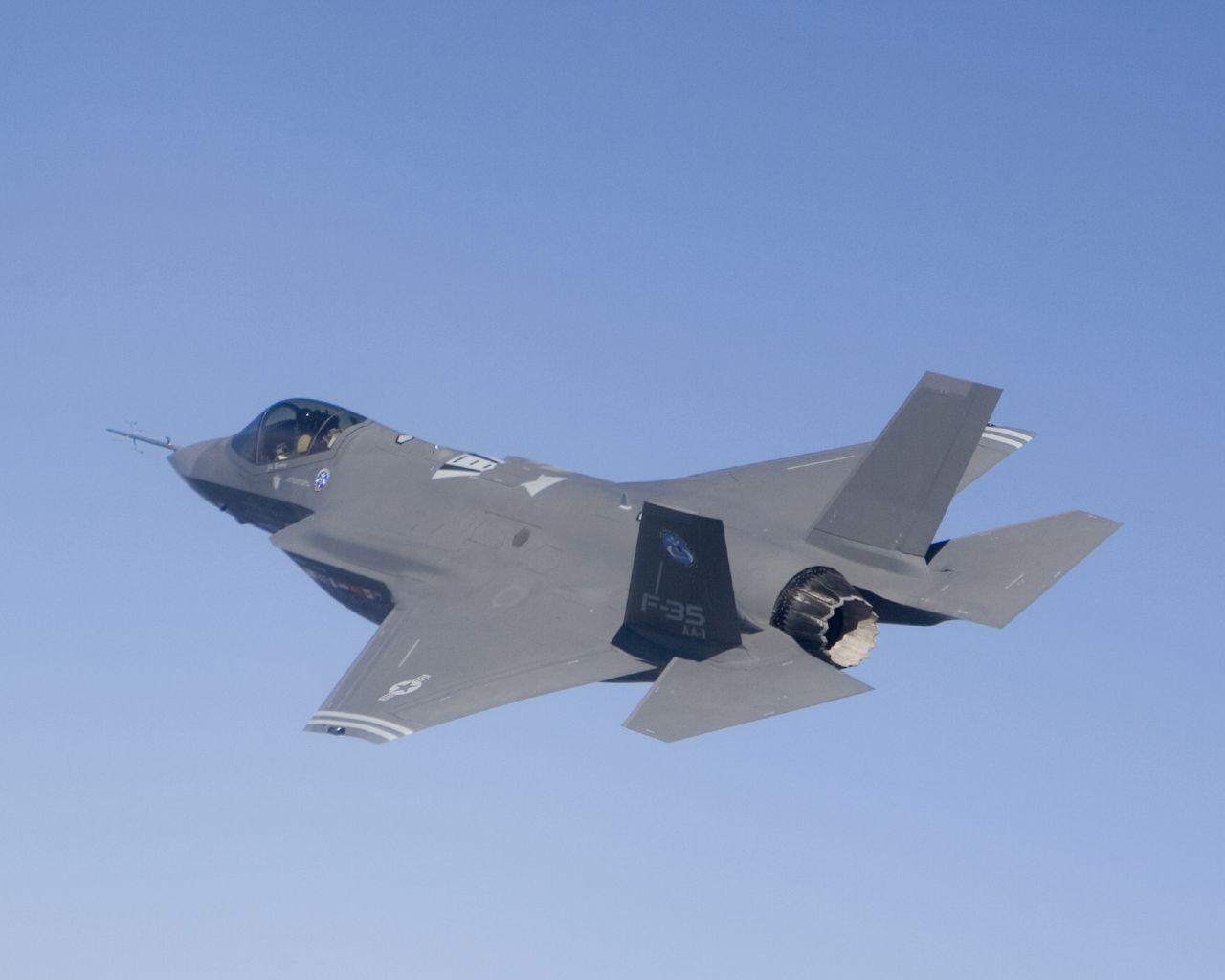 t50/pak fa  ليست شبحيه حتى الان بالتحليل والصور والمصادر  - صفحة 2 F-35_JSF_2