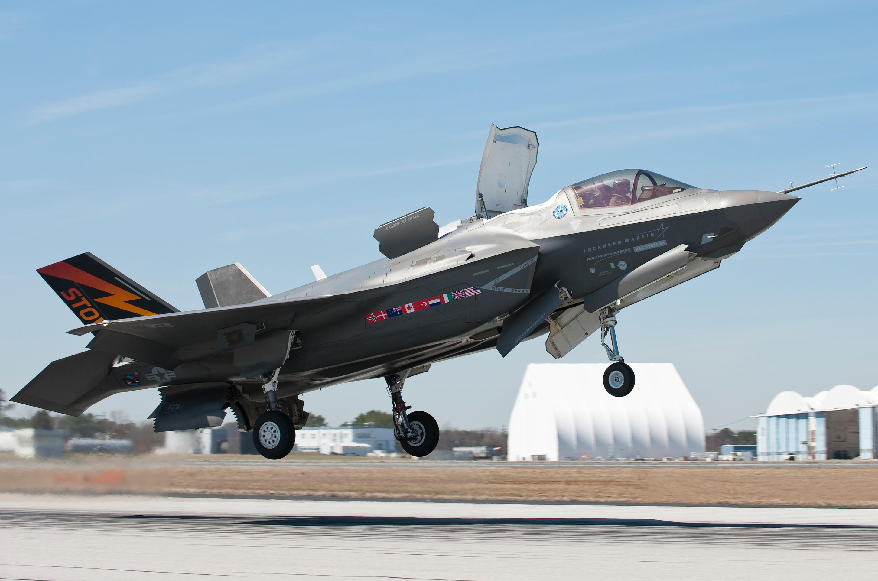 t50/pak fa  ليست شبحيه حتى الان بالتحليل والصور والمصادر  - صفحة 2 F-35_JSF_4