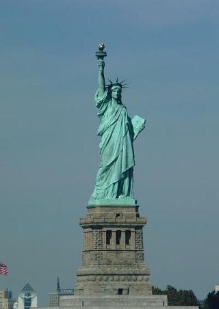 16 - Théme du mois ... les statues Statue-de-la-liberte