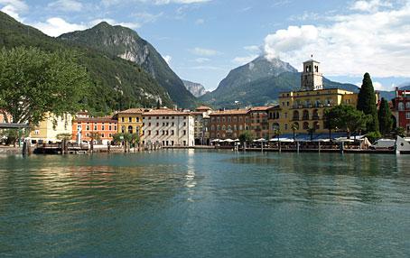 le site de Martin du 31 Août trouvé par Martine Italie_Riva_del_Garda_Lac_de_Garde-CR-helen_von_allmen_14685121