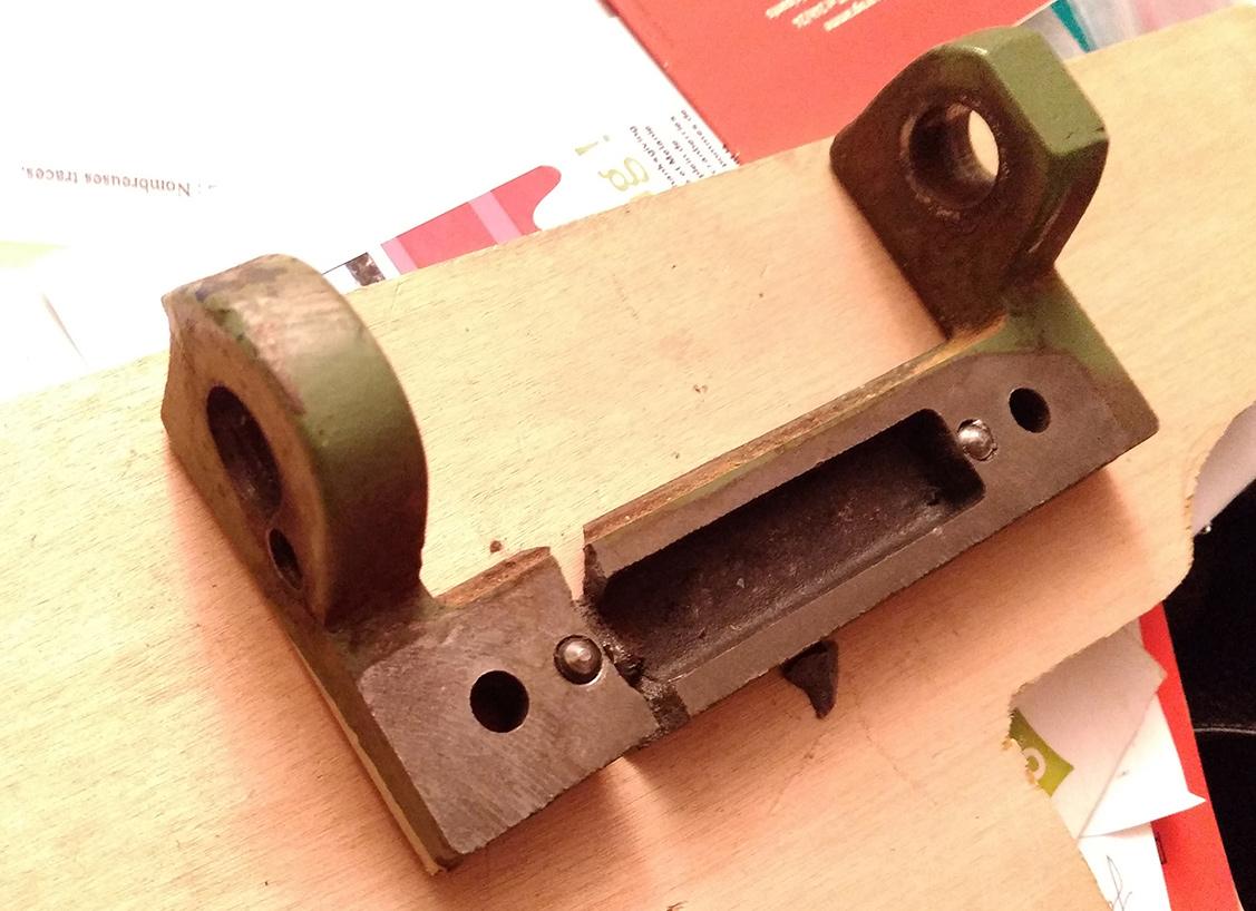 Combiné Lurem C210B : réparation/fabrication d'une charnière de table de dégauchisseuse (support de chape) IMG_20160111_082146