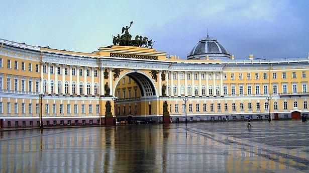Najlepše Evropske destinacije Museo-Hermitage-en-San-Petersburgo