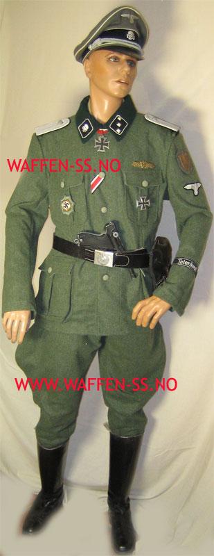 Sur la formation du SS Totenkopf-tunic1