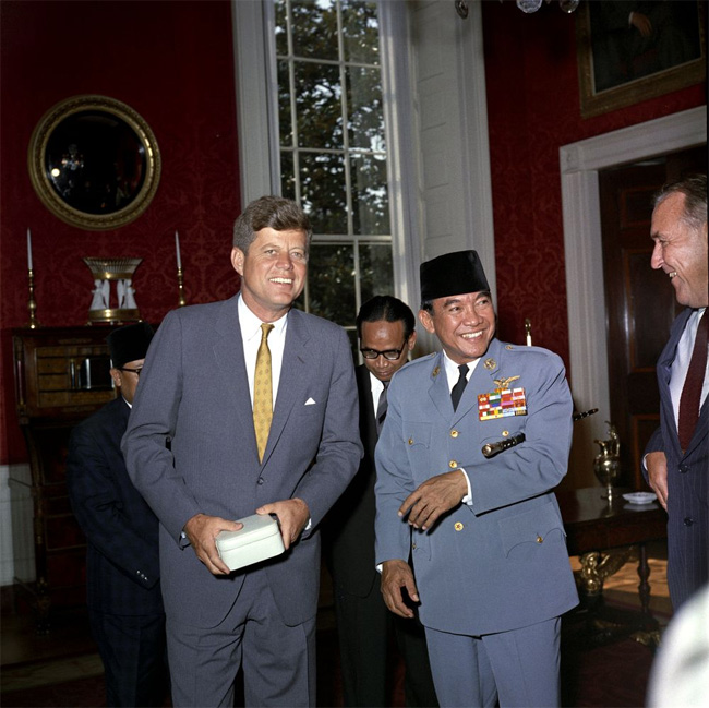 NEIL KEENAN UPDATE | THE CONNECTION BETWEEN 9/11, JFK AND THE GLOBAL COLLATERAL ACCOUNTS Kennedy-soekarno-collateral-accounts