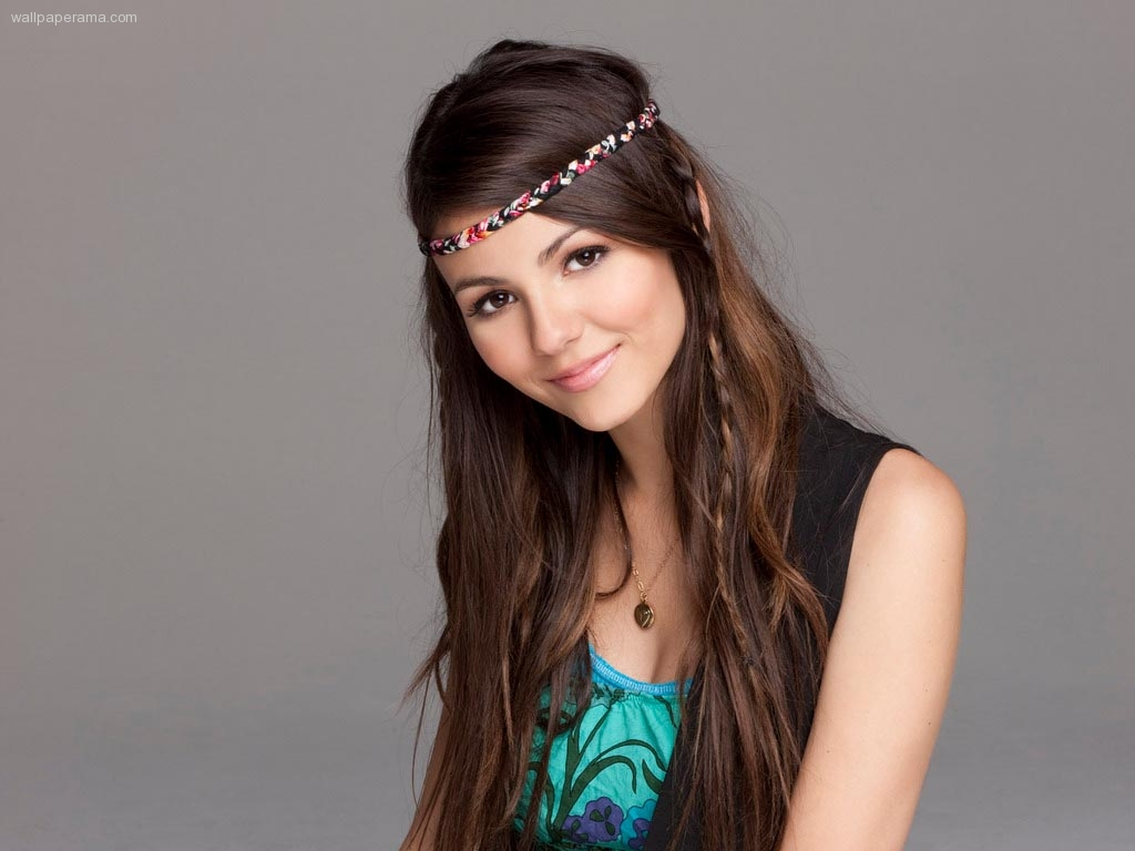 BELBY, Janelle Marley 16p-881-victoria-justice