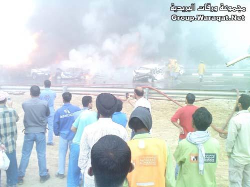 ثلاثة قتلى ومئات الجرحى بأسوأ حادث مرور بالإمارات Abudhabi15
