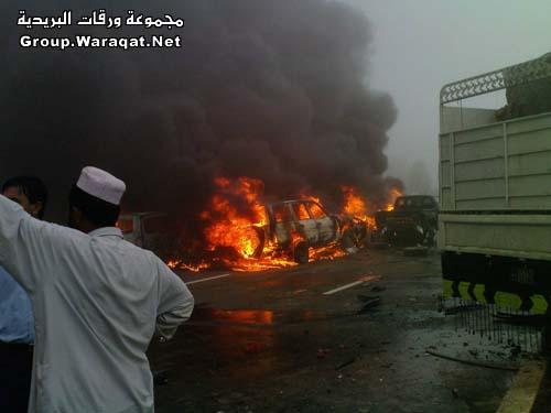ثلاثة قتلى ومئات الجرحى بأسوأ حادث مرور بالإمارات Abudhabi7