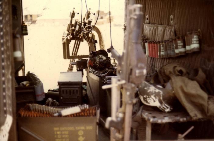 hélicoptères  Mini-gun%20R3%202