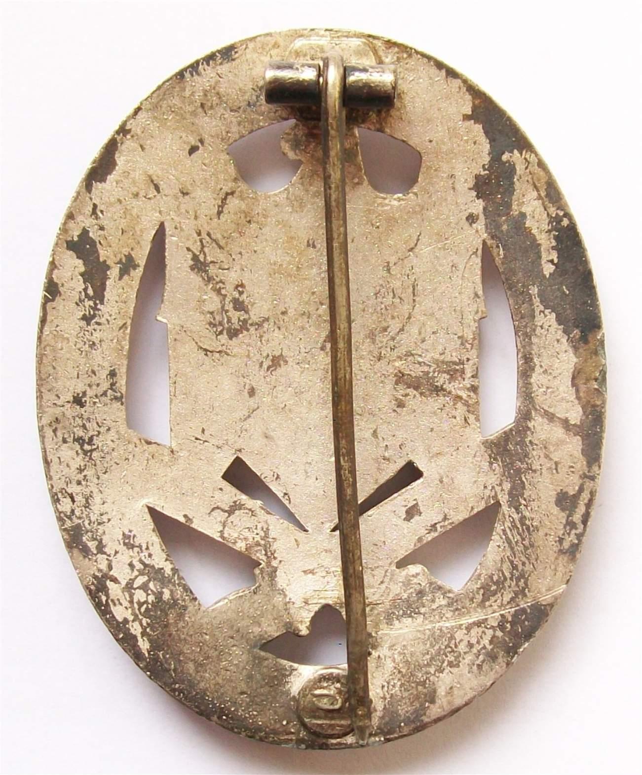 Badge assaut général  394355d1347134365-can-anyone-identify-allgemeines-sturmabzeichen-maker-gabrev