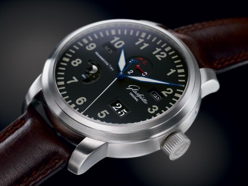 La montre sportive de l'année 2010 (au catalogue en 2010), plongeuses exclues Wp100-07-07-05-04_navigator_ek_image
