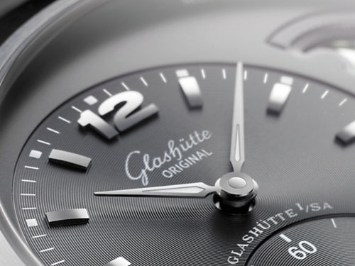 A mon tour d'avoir 30 ans ! (short liste inside) Glashutte-panomaticlunar-xl-watch-_3