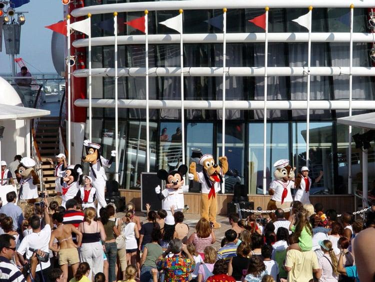 Disney cruise line embarquement immédiat B_DepartureParty_02
