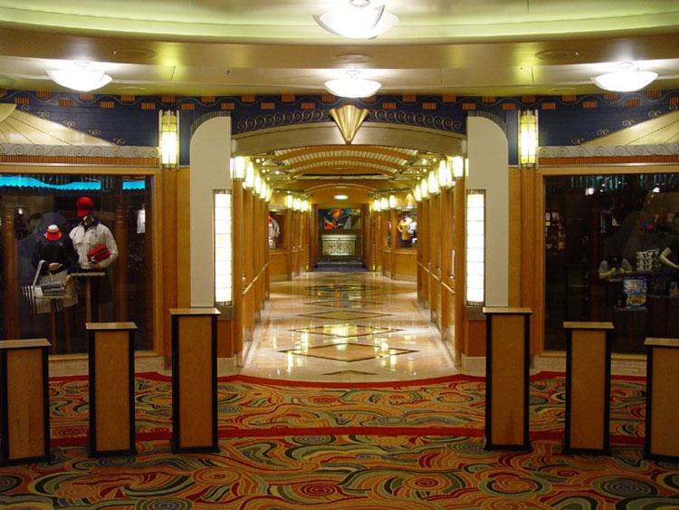 Disney cruise line embarquement immédiat E_WaltDisneyTheatre_03