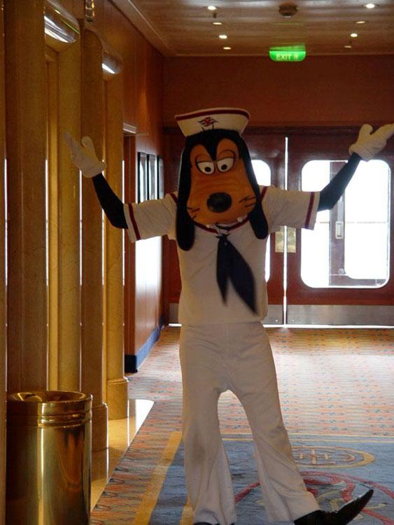 Disney cruise line embarquement immédiat G_Goofy_02