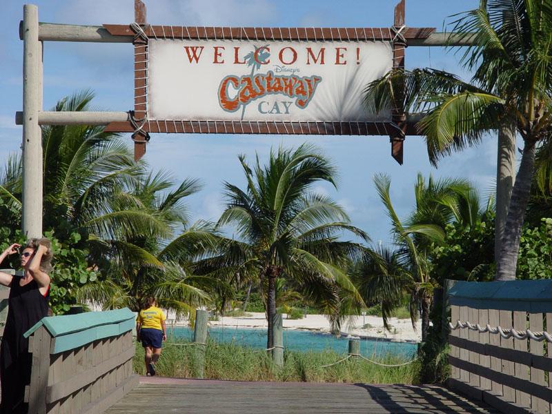 Disney cruise line embarquement immédiat Castaway_excursion_sign_00