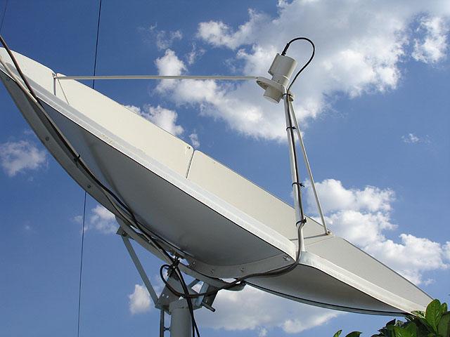 Đồ chơi và phụ kiện DVB - Page 2 Satellite_dishes1_copy