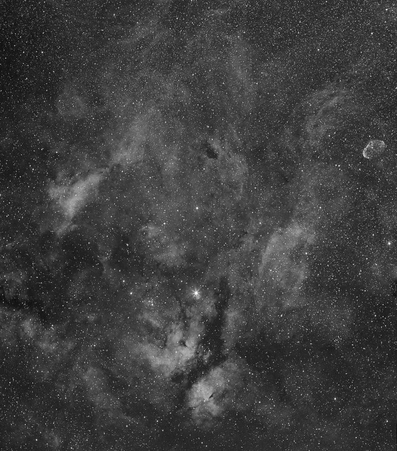 IC1318 et le croissant 4062-1472124718