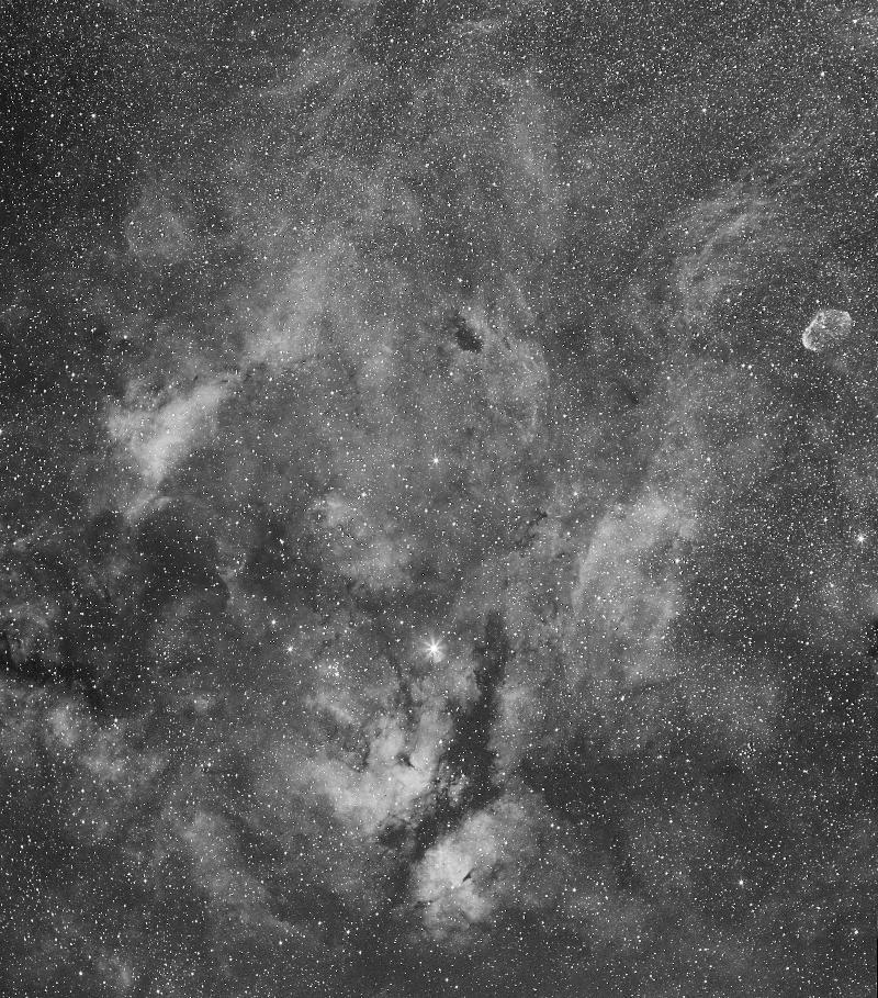 IC1318 et le croissant 4062-1472127291