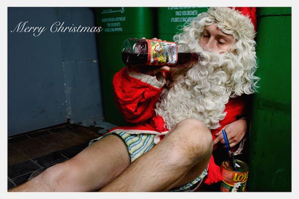 Que tengan una horrenda navidad! /trollface Santa_Claus_is_a_drunk_Sa_48ea9fa72bde1