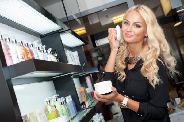 Tereza Fajksova- Miss Earth 2012 Official Thread (Czech Republic) - Page 4 1372928189_728