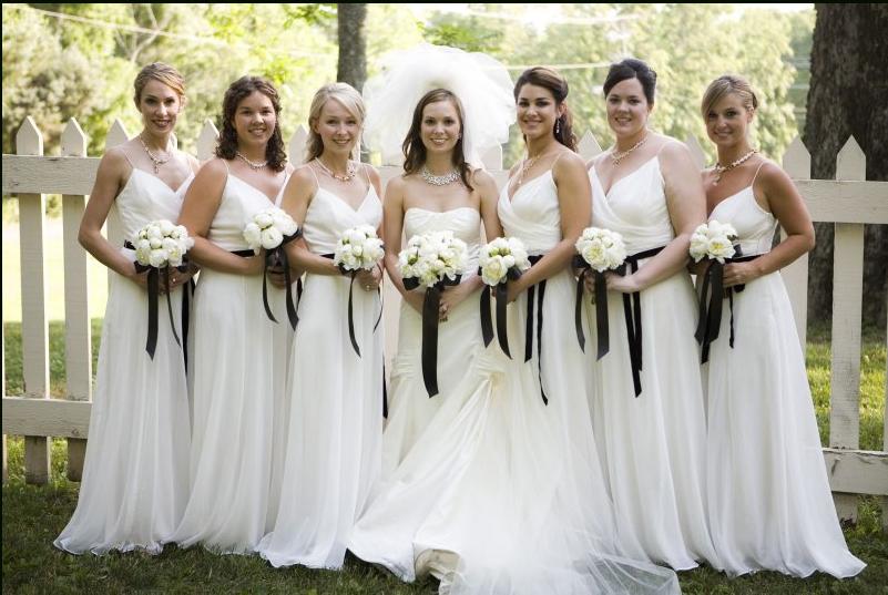 Topic des bonnes nouvelles White-bridesmaid-dresses1