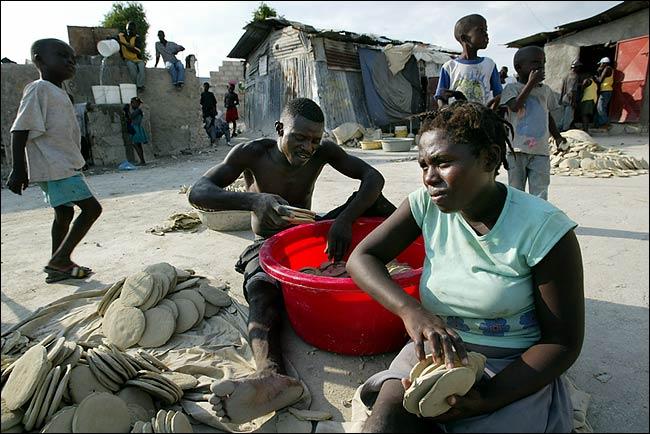 Vision de societe du senateur Lambert pour combattre le fascisme a Ayiti Deeping_poverty_3