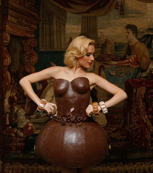 Čokoladna umetnost - Page 10 Chocolate-Dress