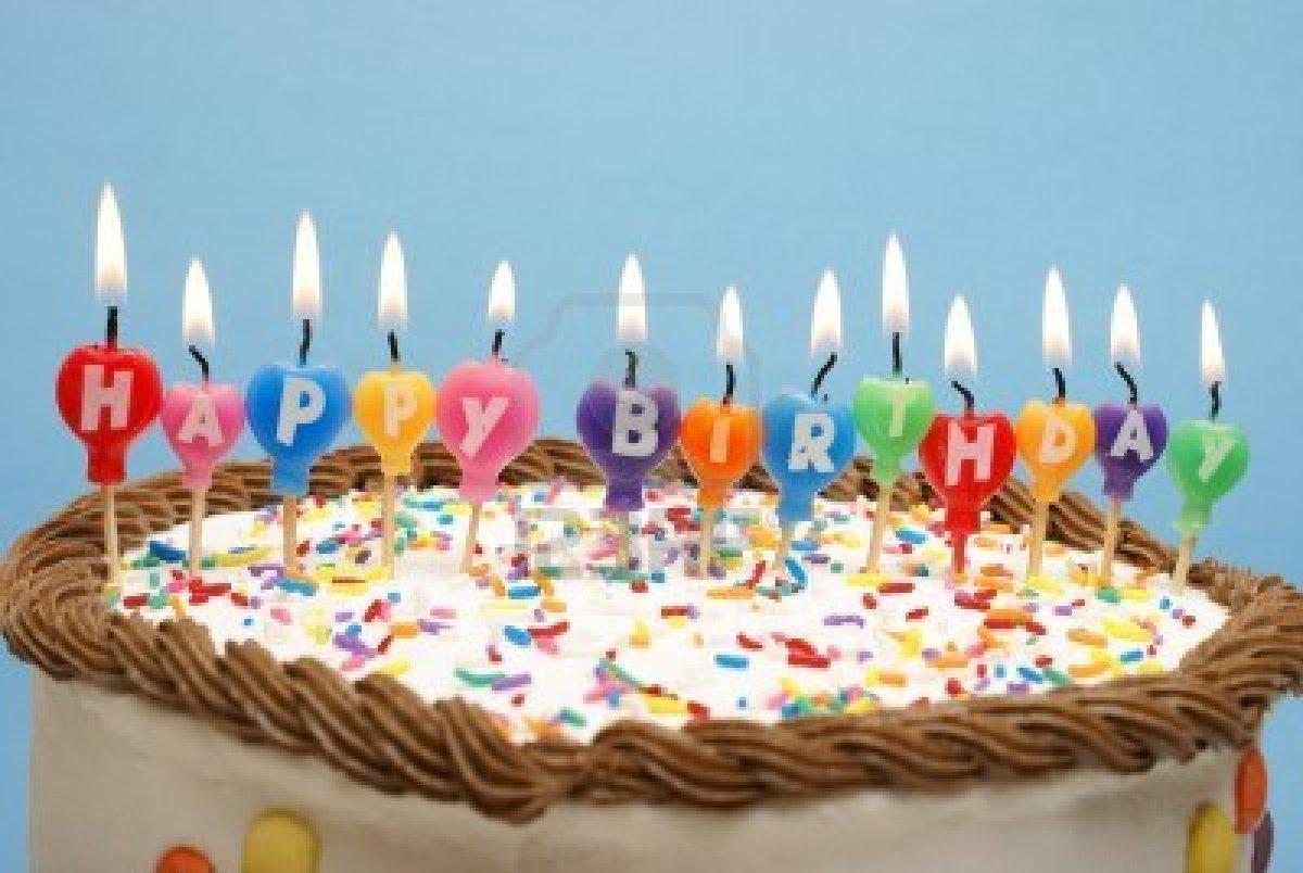 Joyeux anniversaire Jacques Le Houezec !  12686981ungateauetc3
