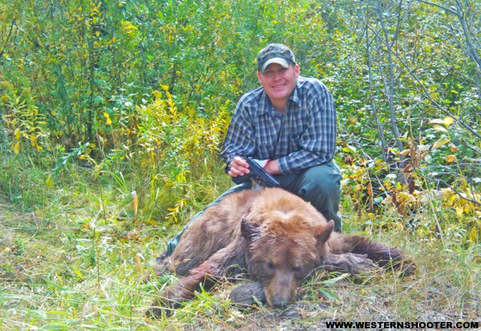 Arme longue pour un trek dans le grand nord - Page 2 The-Bear-3