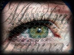 L'œil qui voit tout; tous les symboles des Illuminatis dans les médias All_se262