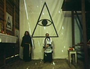 L'œil qui voit tout; tous les symboles des Illuminatis dans les médias - Page 2 Appcn20m