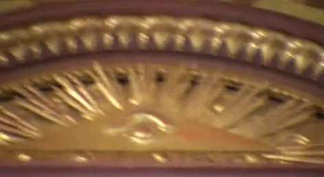L'œil qui voit tout; tous les symboles des Illuminatis dans les médias Knightstemp90x8x8x