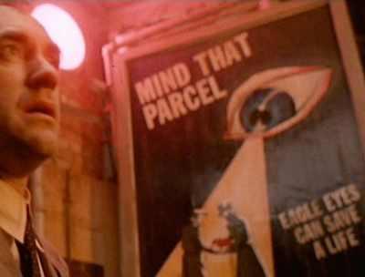 L'œil qui voit tout; tous les symboles des Illuminatis dans les médias - Page 2 Vs931nsrbnnn