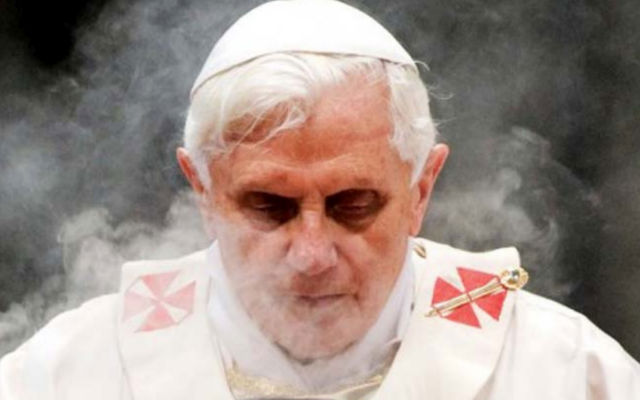 Shocking Alien Fears Force Pope from Office Ank1