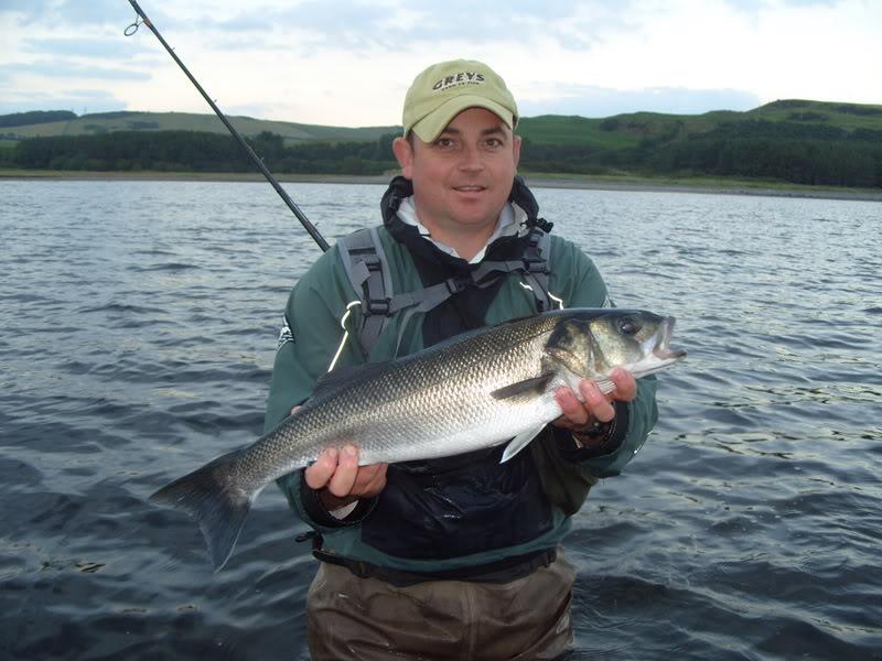 Ribolov na fotkama Bass-Fishing-In-Scotland