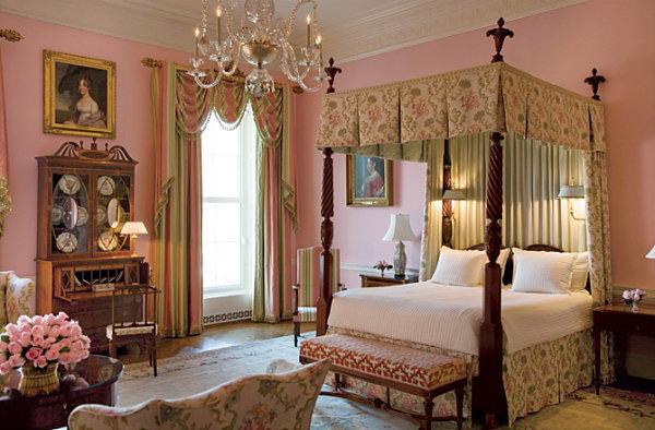 ห้องนอนของคิม  Queens-bedroom-2008-ne